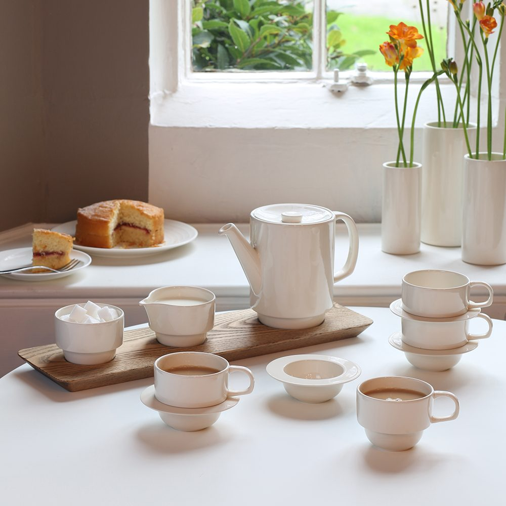 Homeware gift ideas - earthenware tea set