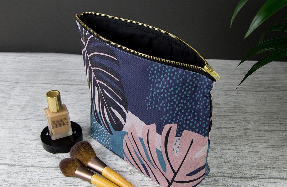 Make up & wash bags