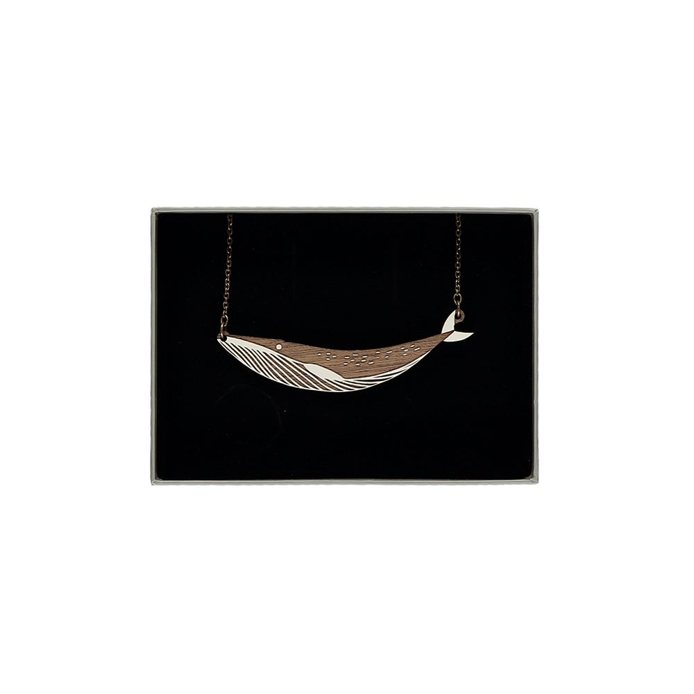 Creative jewellery - Whale necklace