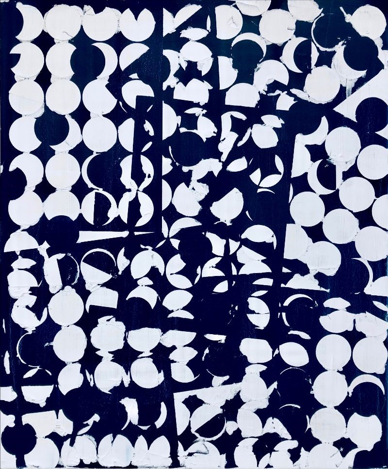 Dark blue oil painting with a repetitive pattern